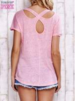 Różowy t-shirt crossed back