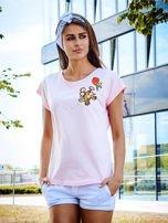 T-shirt damski jasnoróżowy z naszywkami KWIATY                                  zdj.                                  1