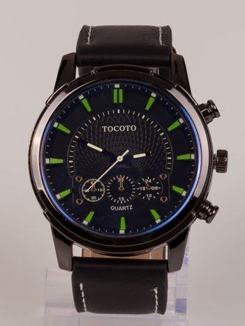 Nowoczesny i duży męski zegarek z 3 chronografami na tarczy.