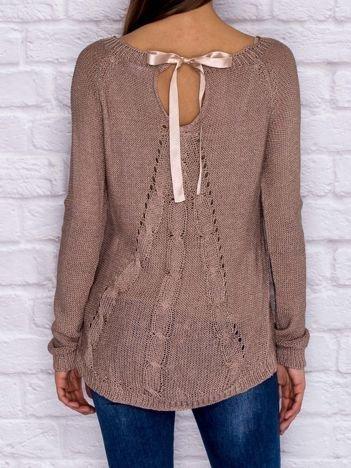 Ażurowy sweter ze wstążką jasnofioletowy