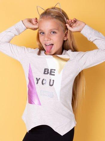 Beżowa bluzka dla dziewczynki z nadrukiem