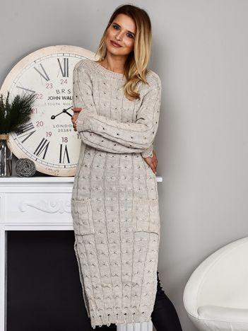 Beżowy długi sweter z rozcięciem
