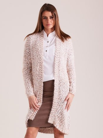 Beżowy puszysty sweter