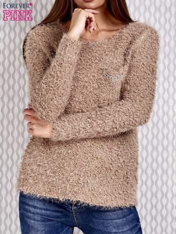 Beżowy sweter fluffy z cekinami