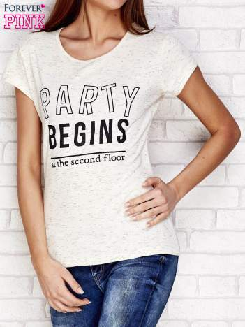 Beżowy t-shirt z napisem PARTY BEGINS