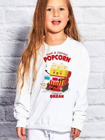 Biała bluza dziecięca z chrupiącym popcornem