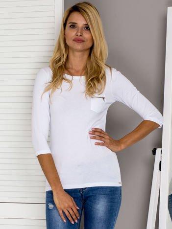 Biała bluzka z kieszonką na suwak