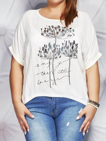 Biała bluzka z motywem roślinnym PLUS SIZE