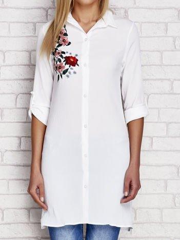 Biała długa koszula z haftem