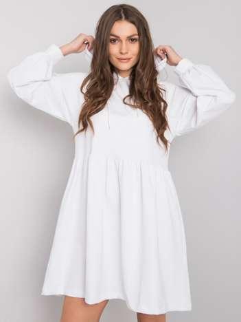 Biała sukienka z kapturem Sidorela RUE PARIS