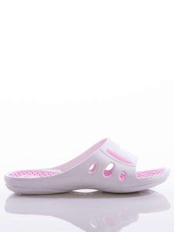 Białe damskie klapki basenowe Mc Keylor z ażurową cholewką i różową wkładką z wypustkami