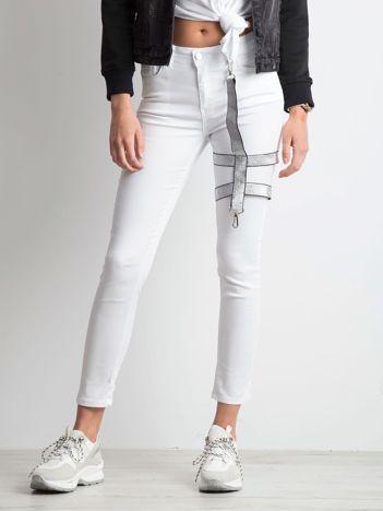 Białe jeansy Rockabye