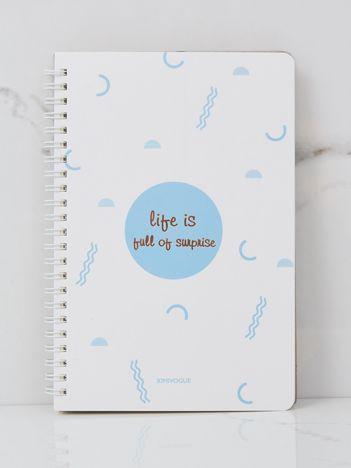 Biało-niebieski notatnik