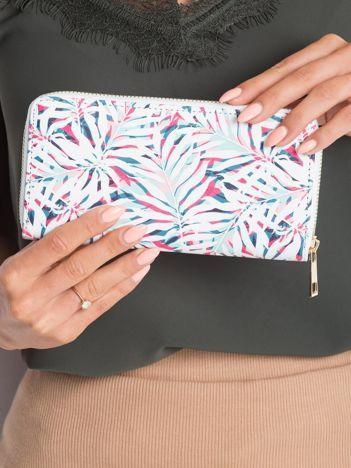 Biały damski portfel w roślinne wzory