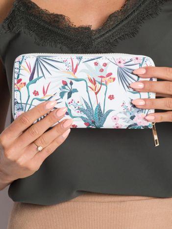 Biały portfel w kolorowe wzory