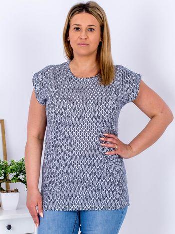 Biały t-shirt w geometryczne wzory PLUS SIZE