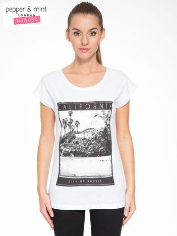 Biały t-shirt z nadrukiem CALIFORNIA