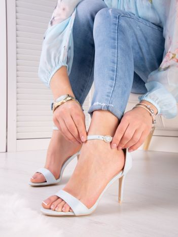 Błękitne sandały z eco zamszu ze złotą sprzączką