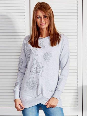 Bluza damska z graficznymi nadrukami jasnoszara