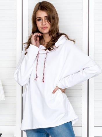 Bluza damska z kolorowymi troczkami biała