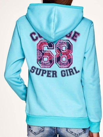 Bluza z napisem COLLEGE SUPER GIRL 68 z tyłu i kapturem turkusowa