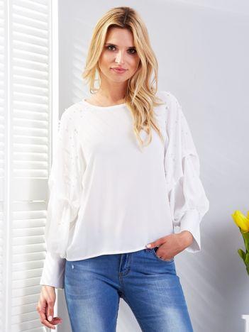 Bluzka biała z drapowanymi rękawami i perełkami