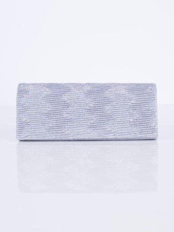 Błyszcząca kopertówka z ozdobnym karbowaniem srebrna