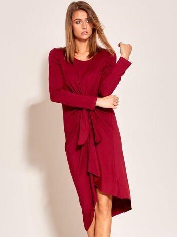 Bordowa drapowana sukienka oversize