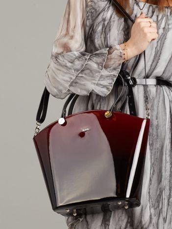 Bordowo-czarna lakierowana torba damska