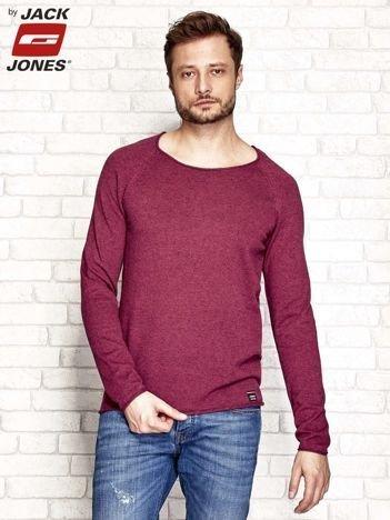 Bordowy sweter męski z surowym wykończeniem