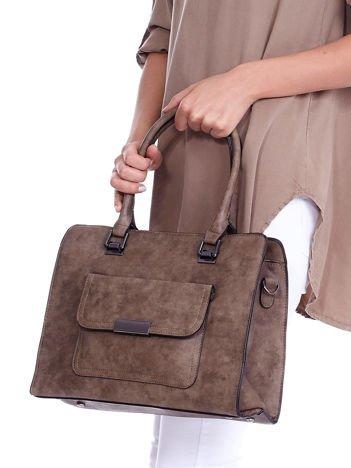 Brązowa torebka z odpinanym paskiem i kieszenią na magnes