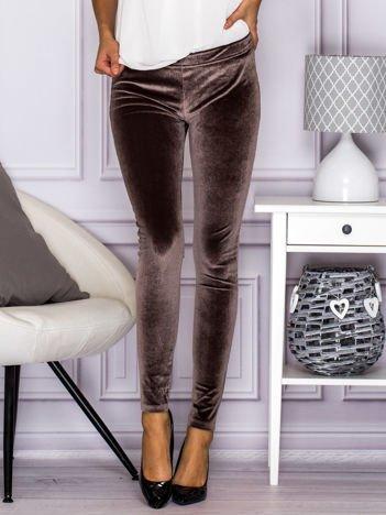 Brązowe welurowe legginsy