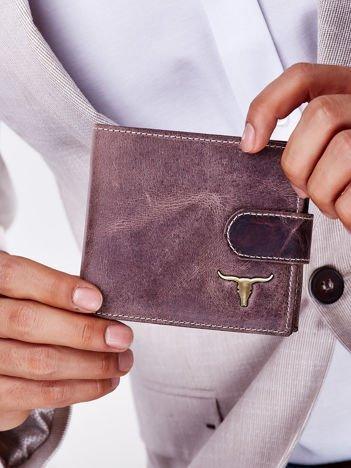 Brązowy portfel męski z paskiem na zatrzask