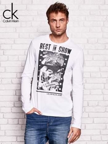 CALVIN KLEIN Biała bluzka męska z napisem BEST IN SHOW
