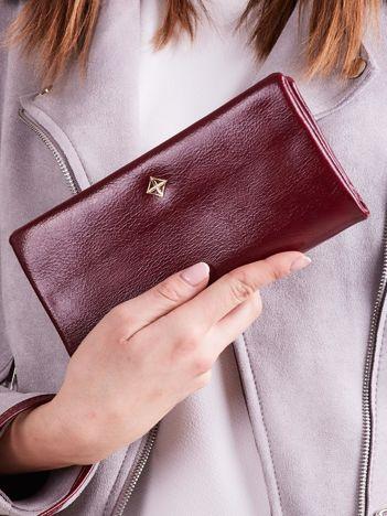 Ciemnoczerwony podłużny portfel z uchwytem