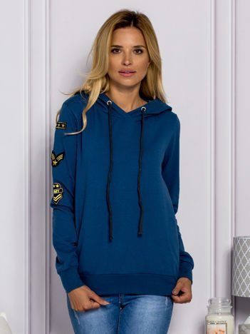 Ciemnoniebieska bluzka damska z naszywkami