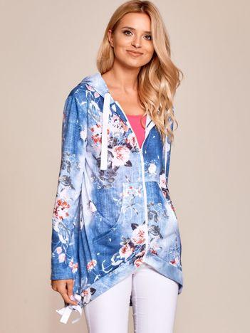 Ciemnoniebieska zapinana bluza w kwiaty z kapturem i ściągaczami