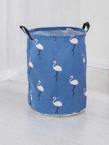 Ciemnoniebieski kosz we flamingi