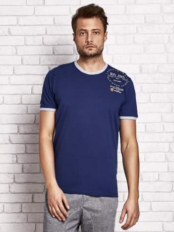 Ciemnoniebieski t-shirt męski z nadrukiem