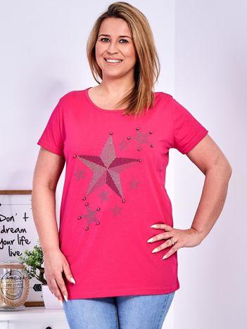 Ciemnoróżowy t-shirt z błyszczącymi gwiazdami PLUS SIZE