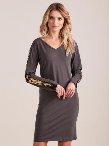 Ciemnoszara dopasowana sukienka z dekoltem V i cekinami