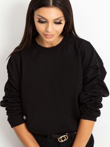 Czarna bluza damska z marszczonymi rękawami