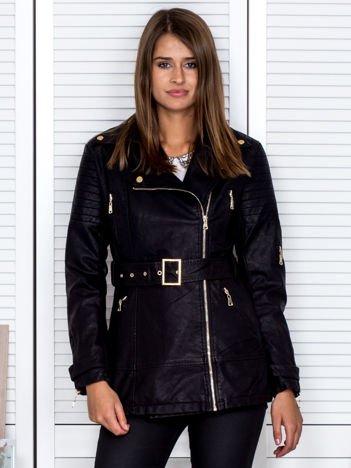 Czarna kurtka z imitacji skóry z suwakami