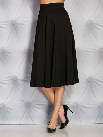 Czarna rozkloszowana spódnica midi