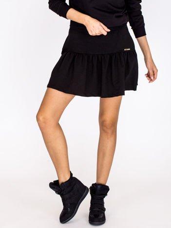 Czarna spódnica z falbaną