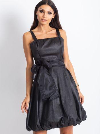 Czarna sukienka bombka z połyskiem