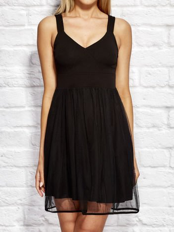 Czarna sukienka koktajlowa z tiulową spódnicą
