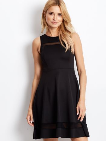 Czarna sukienka z transparentnymi modułami