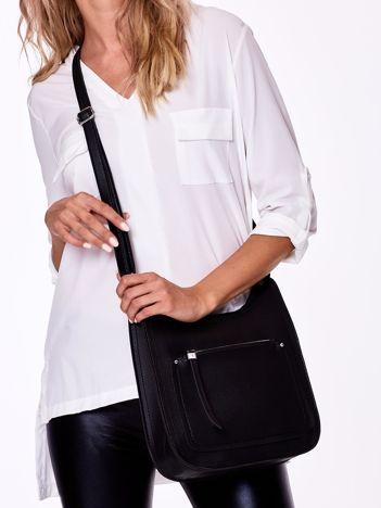 Czarna torba z kieszenią na suwak