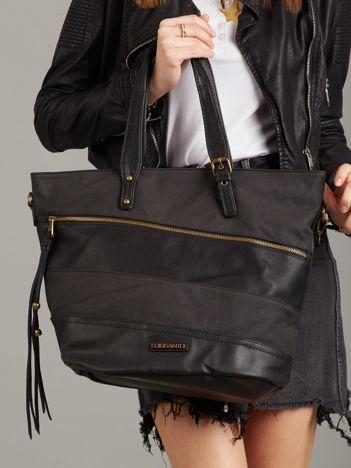 Czarna torba z ozdobną kieszenią na suwak